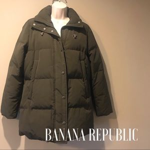 Banana Republic Military green Down puffer coat, S